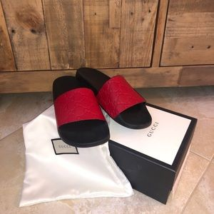 Women Gucci slides